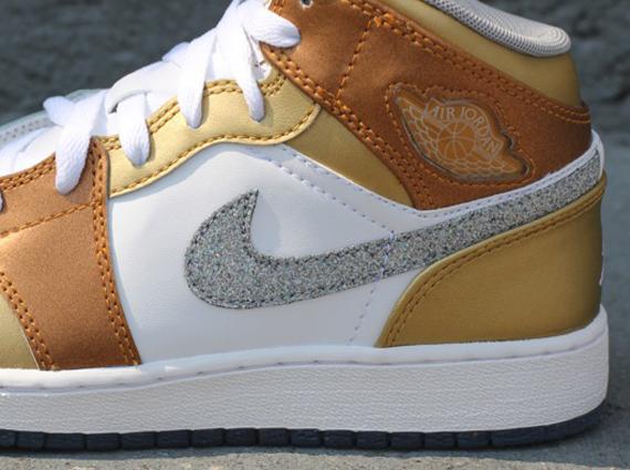 0a7fee4dea54c Air Jordan 1 Phat GS - White - Matte Silver - Metallic Gold ...