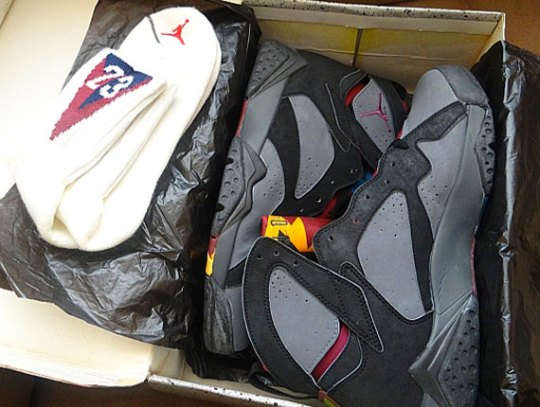 "Air Jordan VII ""Bordeaux"" OG with Matching Socks"