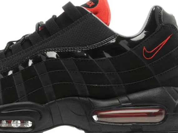 black and red air max 95