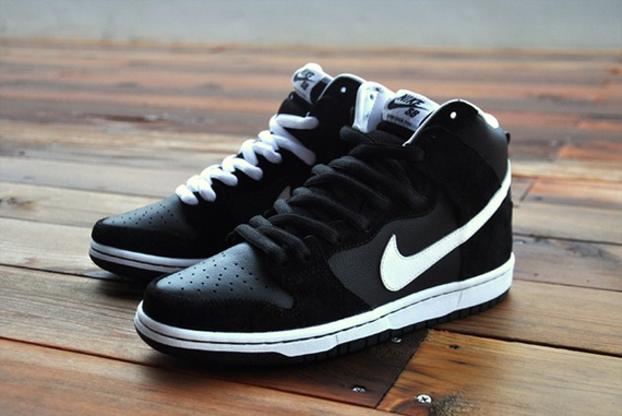 best deals on dacc2 77a8b Nike Dunk High Pro SB - Black - White - SneakerNews.com