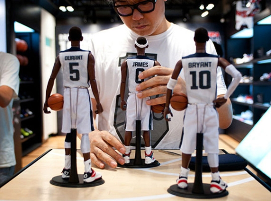"Coolrainz x Nike ""Relive The Dream"" Figurines"