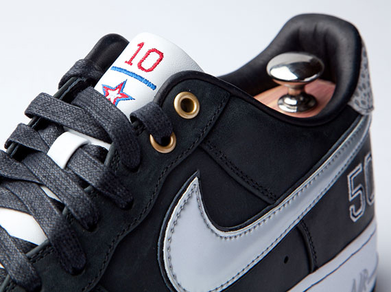 separation shoes 18702 73514 Nike Sportswear recently paid a worthy tribute to David Robinson ...