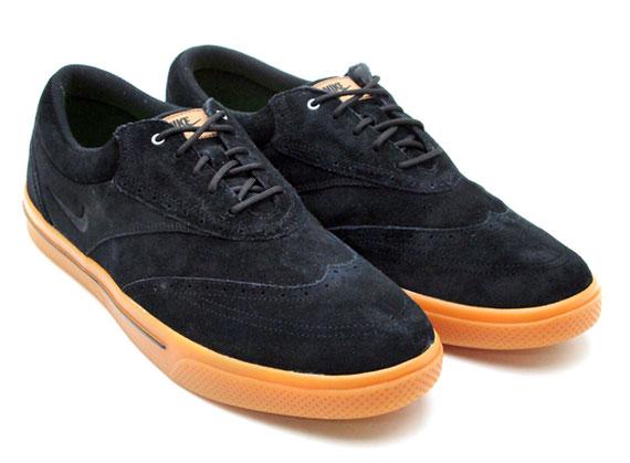 wholesale dealer 7e2a3 af048 Nike Lunar Swingtip Suede - SneakerNews.com