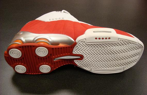 20 Years Of Nike Basketball Design  Shox BB4 (2000) - SneakerNews.com 9ef080f0b