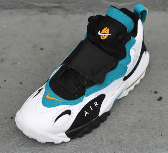 nike air max speed turf dolphins release date Made famous by dan marino when he donned the shoe in miami during his hall of fame career with the dolphins, nike's air max speed turf is set to make a return and while the dolphins colorway is certainly one of the most memorable, nike is kicking things off with a little bay area love.