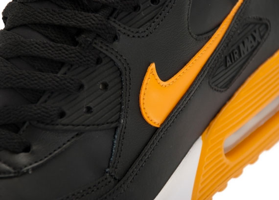 the best attitude f4519 ab6d4 ... reduced the nike air max 90 continues to carve 469fd ebf12
