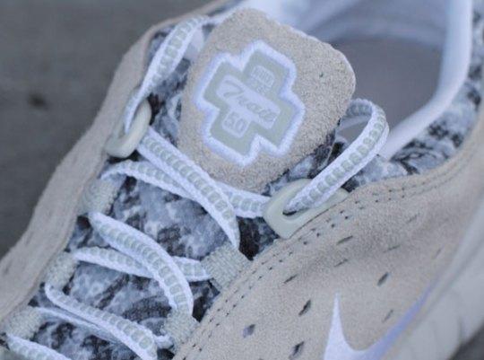 Nike Free Trail – White – Neutral Grey