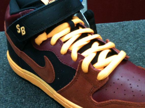 hot sale online 7b0f0 4430b well-wreapped Nike SB Dunk Mid Black Brown Tan