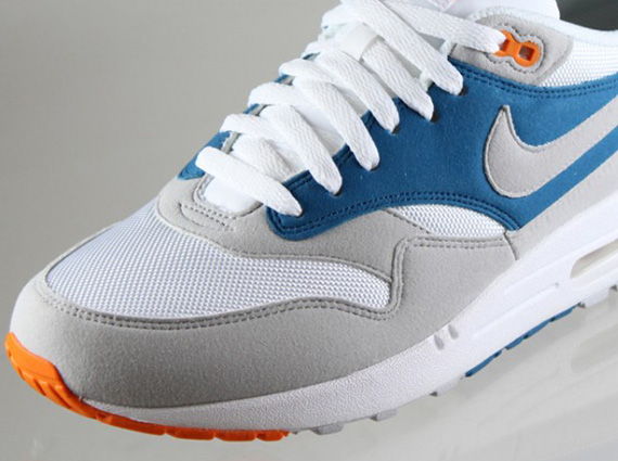 the best attitude 01ec2 b8d36 Nike Air Max 1 Womens Orange Blue