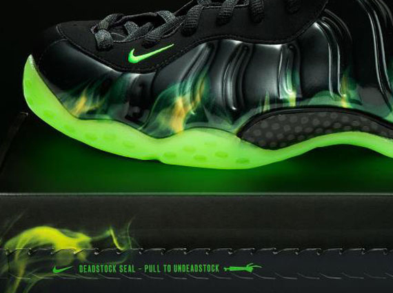 "ab8a69bd77f8 Nike Air Foamposite One ""ParaNorman"" Born This Way Foundation Auctions"