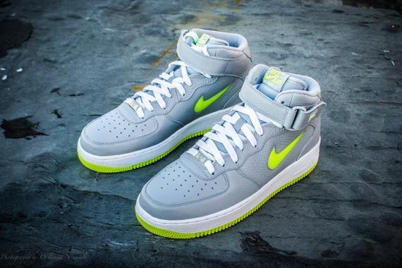 half off e8981 72d03 Nike Air Force 1 Mid