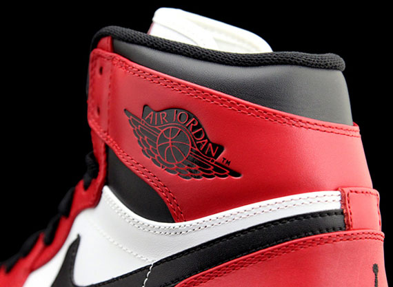 red black air jordans