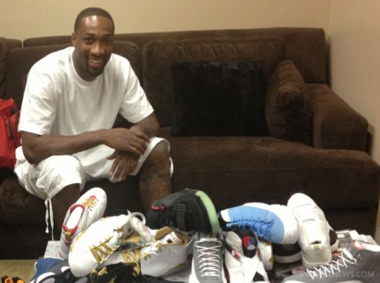 Gilbert Arenas Packs His Sneaker Collection For China