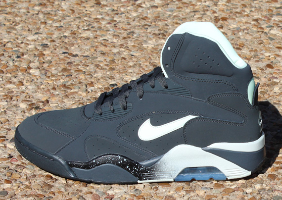 Nike Air Force 180 Mid Lyser I Mørket For Salg HEytV8J