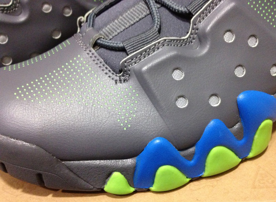 Nike Air Max Barkley Dark Grey Photo Blue Action Green | New Images