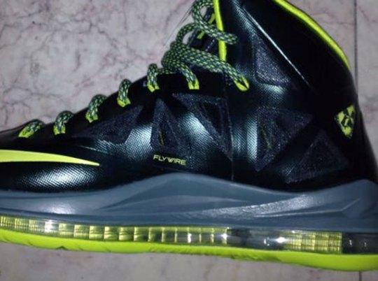 "Nike LeBron X ""Dunkman"" – Release Date"