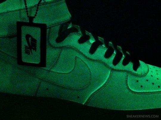 "Nike Air Force 1 iD ""Glow in the Dark"""