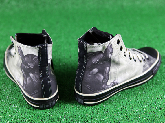 f1c96854829a durable modeling Batman  Arkham City x Converse Chuck Taylor Design-Your-Own