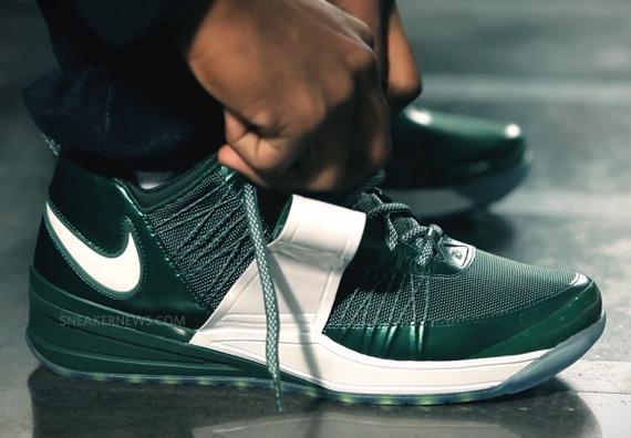 "Nike Zoom Revis 1 ""Jets"" - Release Info - SneakerNews.com"