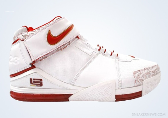"""Classics Revisited: Nike Zoom LeBron II """"Chamber of Fear"""" (2005)"""