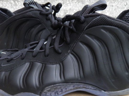 """Nike Air Foamposite One """"Stealth"""" – Release Date Change"""