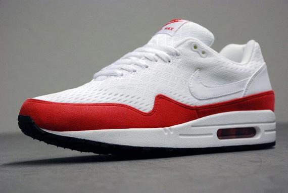 red white air max 1