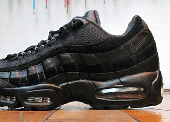 nike air max 95 premium blackout dates