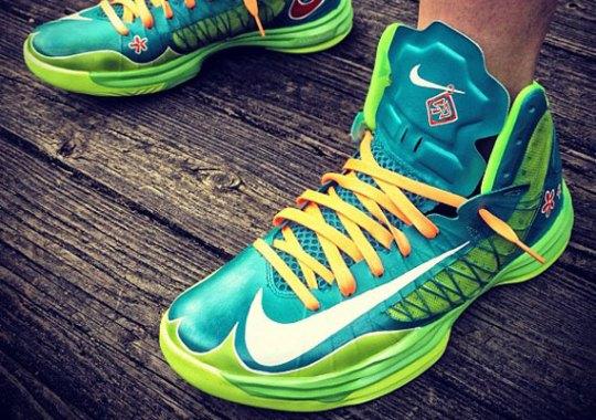 """Nike Hyperdunk """"Scooby Doo"""" Customs by Mache"""