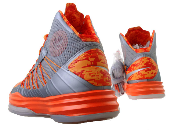 """release date caebe de26e Nike Hyperdunk+ """"Carrier Classic"""" Syracuse - Available - SneakerNews.com"""