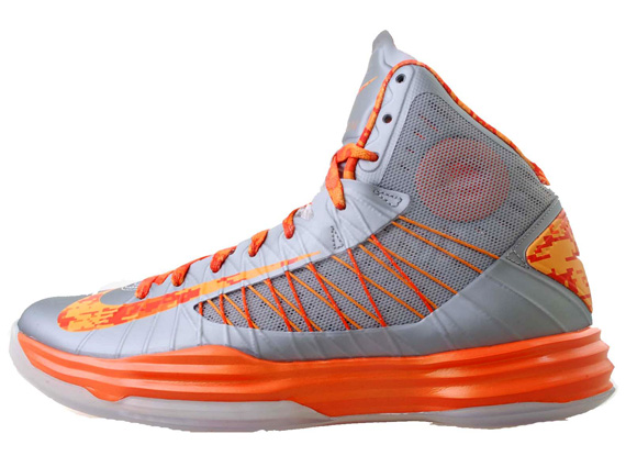 huge selection of 73f45 c8404 ... best price nike hyperdunk carrier classic syracuse available  sneakernews nike lunar hyperdunk 2012 orange blaze black