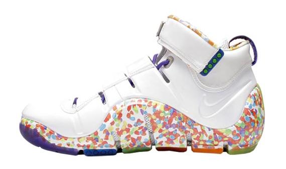 "Nike Zoom LeBron IV ""Fruity Pebbles"" (2006)"