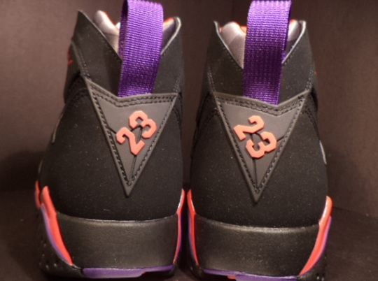 "Air Jordan VII ""Raptors"" – November Re-release"