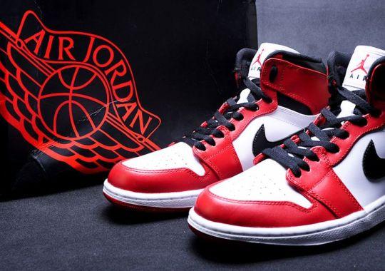840e211dfec Air Jordan 1 High 'Bulls' - SneakerNews.com