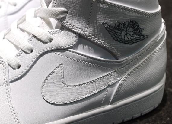 Air Jordan 1 Mid Wit