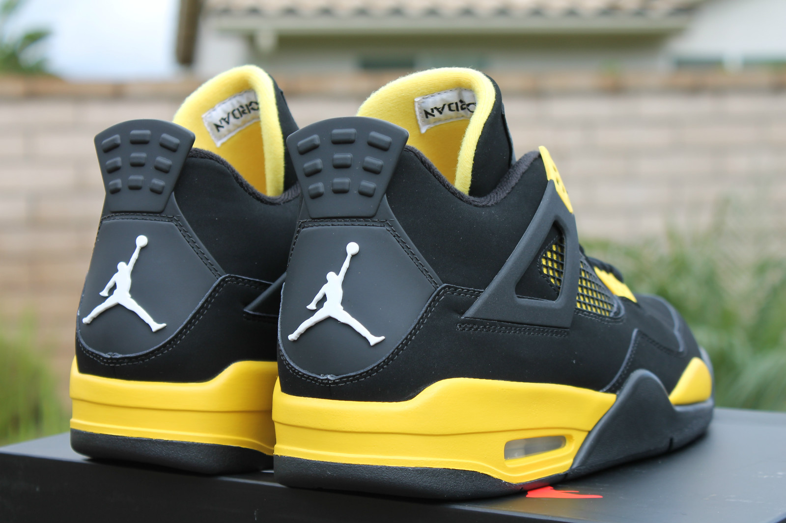air jordan iv thunder release reminder sneakernews com