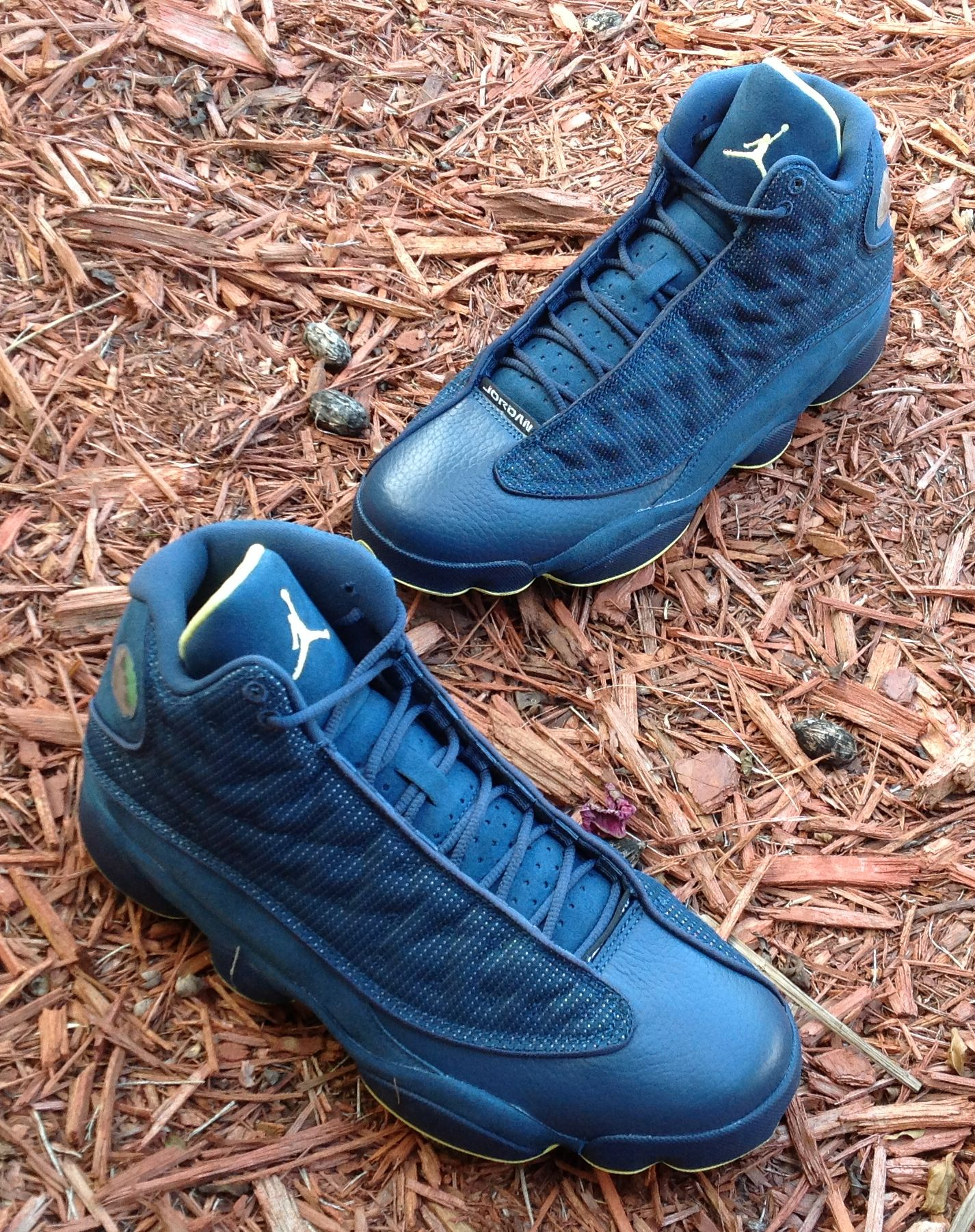 new style 325b5 0c737 ... sweden air jordan xiii squadron blue electric yellow sneakernews 293f0  8d2a0
