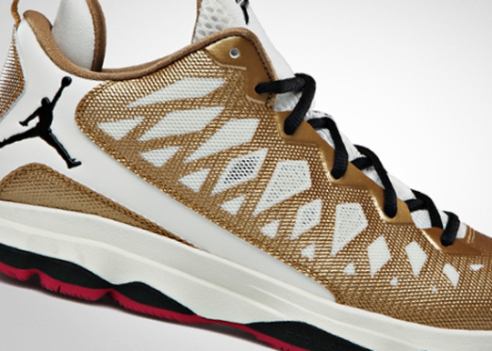 Jordan CP3.VI – Metallic Gold – Sport Fuschia