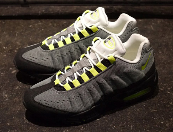 super popular ffdb6 fa19a Nike Air Max 95 EM Cool Grey Volt-Black 554971-031 01 2013. Advertisement