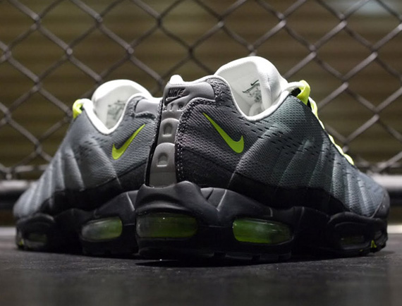 wholesale dealer 843f8 dc105 Nike Air Max 95 EM Cool Grey Volt Black well-wreapped