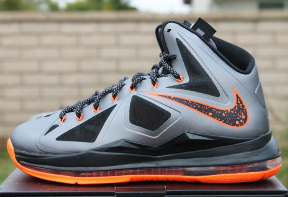 Nike LeBron X \