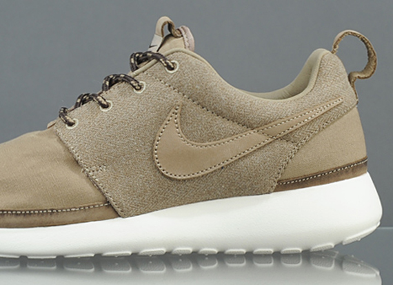 "buy online bc8f8 46e99 Nike Roshe Run Premium ""Khaki"" – Available"