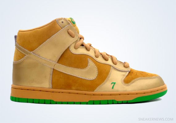 "detailed look 335c3 d99e3 Classics Revisited Nike SB Dunk High ""LuckyUnlucky"" (2004)"