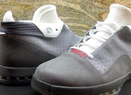 Air Jordan XVI Low – Dark Grey – Metallic Silver | Unreleased 2012 Sample