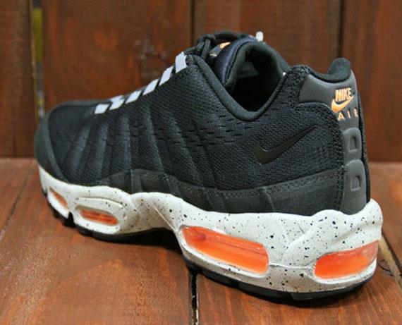 separation shoes eba53 c16b3 Nike Air Max 95 EM