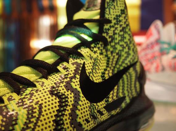 Nike KD V iD - Christmas Graphic Samples - SneakerNews.com c5030e8465dd