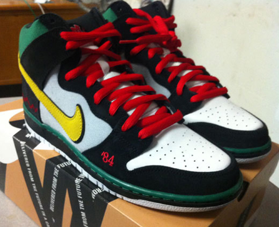timeless design a84cb e87c4 Nike SB Dunk High