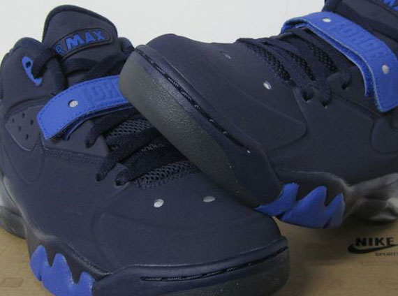 líder capacidad especificar  Nike Air Force Max 2013 - Obsidian - Royal - SneakerNews.com