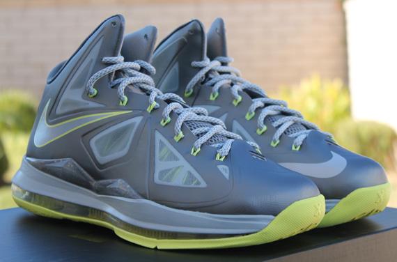 premium selection 7a480 6d7cd Nike LeBron X