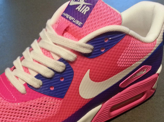 nike air max hyperfuse pink