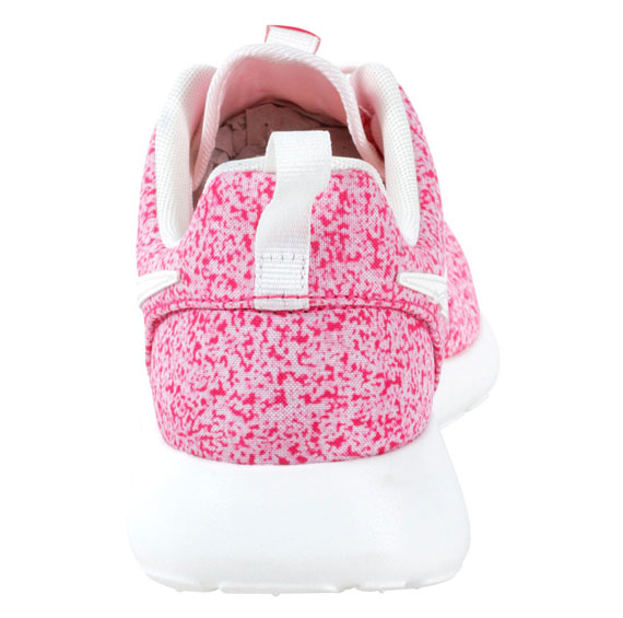 915b0a4548f5 Nike WMNS Roshe Run Sail Sail-Pink Force 511882-101. show comments